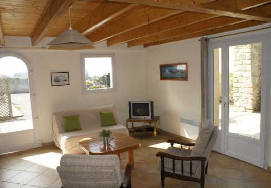 Lan03 maison 8 personnes lannilis iroise vacances for Le salon lannilis